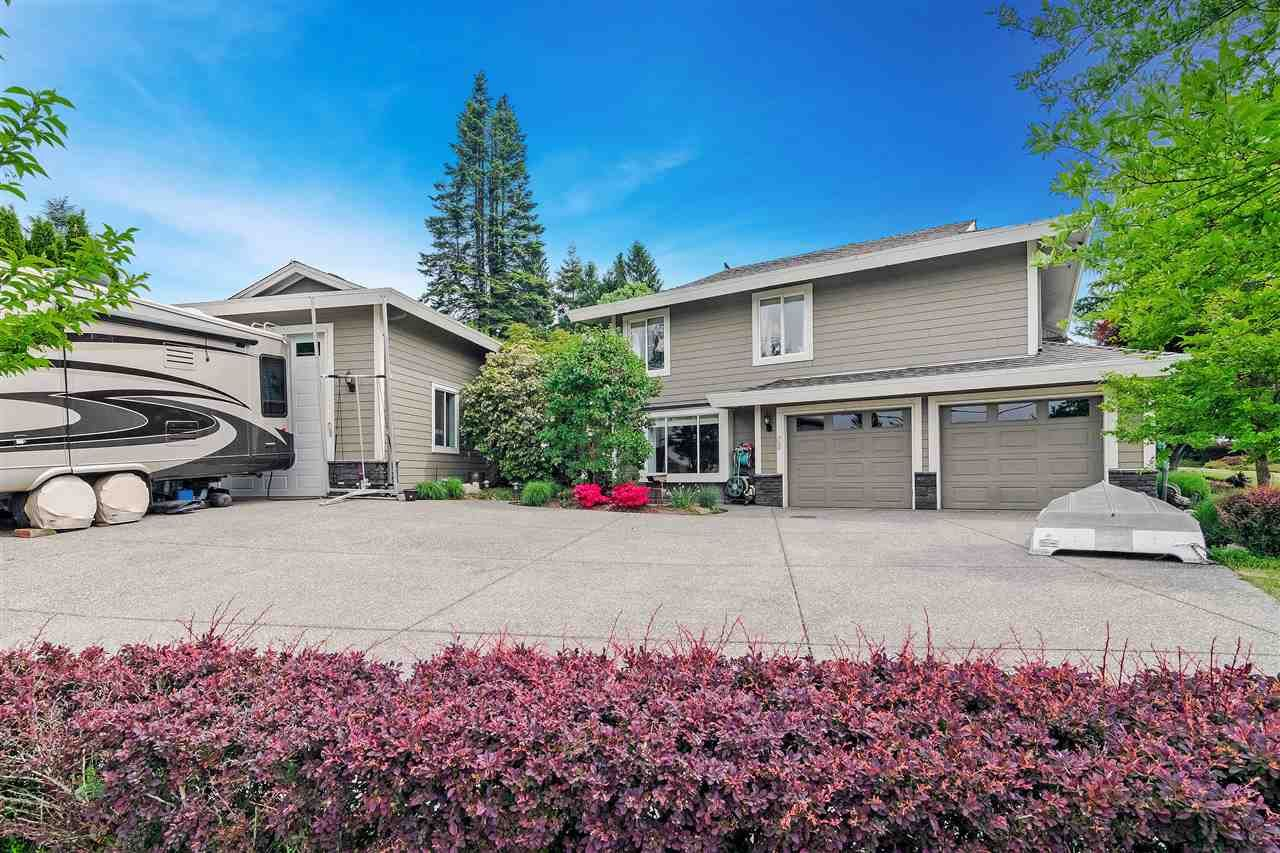 "Main Photo: 34661 WALKER Crescent in Abbotsford: Abbotsford East House for sale in ""Skyline"" : MLS®# R2369860"
