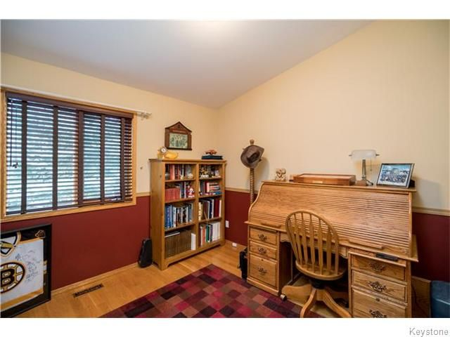 Photo 15: Photos: 2 MENARD Place in Elie: Residential for sale