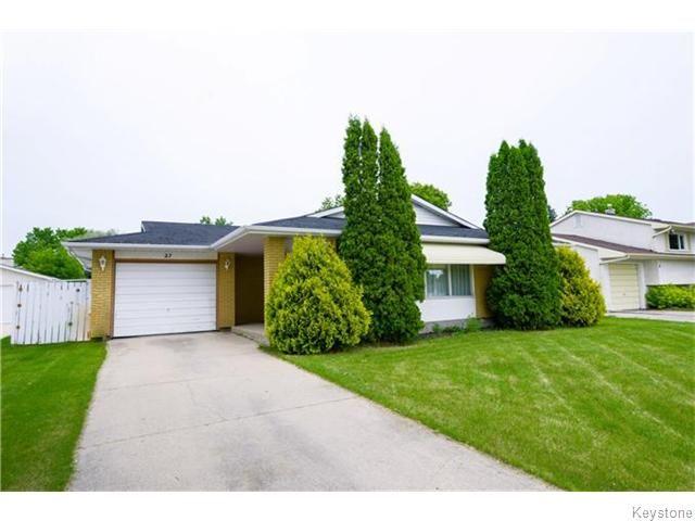 Main Photo: 27 Ryerson Avenue in Winnipeg: Fort Garry / Whyte Ridge / St Norbert Residential for sale (South Winnipeg)  : MLS®# 1616167