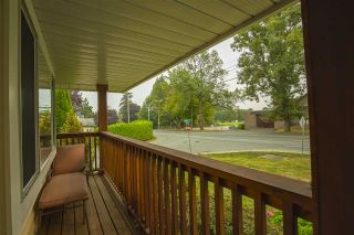 Photo 31: 17387 60 Avenue in Surrey: Cloverdale BC House for sale (Cloverdale)  : MLS®# R2500278