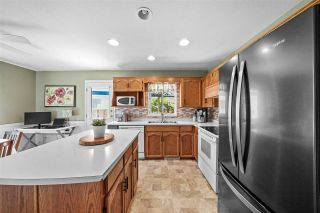 """Photo 10: 33518 KNIGHT Avenue in Mission: Mission BC House for sale in """"COLLEGE HEIGHTS"""" : MLS®# R2484128"""