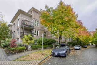 """Photo 3: 404 2161 W 12TH Avenue in Vancouver: Kitsilano Condo for sale in """"THE CARLINGS"""" (Vancouver West)  : MLS®# R2502485"""