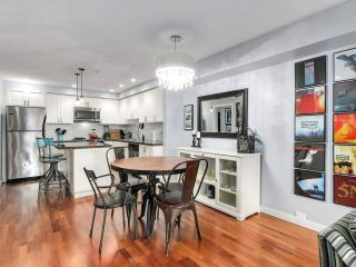"""Photo 7: 2774 ALMA Street in Vancouver: Kitsilano Townhouse for sale in """"Twenty On The Park"""" (Vancouver West)  : MLS®# R2501470"""