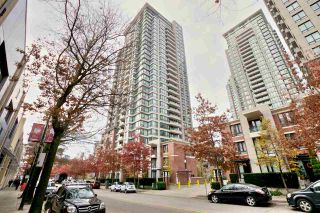 """Photo 4: 2604 977 MAINLAND Street in Vancouver: Yaletown Condo for sale in """"YALETOWN PARK III"""" (Vancouver West)  : MLS®# R2122379"""