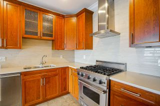 """Photo 12: 201 6688 ROYAL Avenue in West Vancouver: Horseshoe Bay WV Condo for sale in """"GALLERIES ON THE BAY"""" : MLS®# R2569276"""