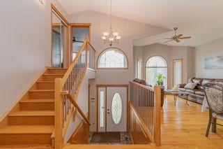 Photo 5: 8015 162 Avenue in Edmonton: Zone 28 House for sale : MLS®# E4253743