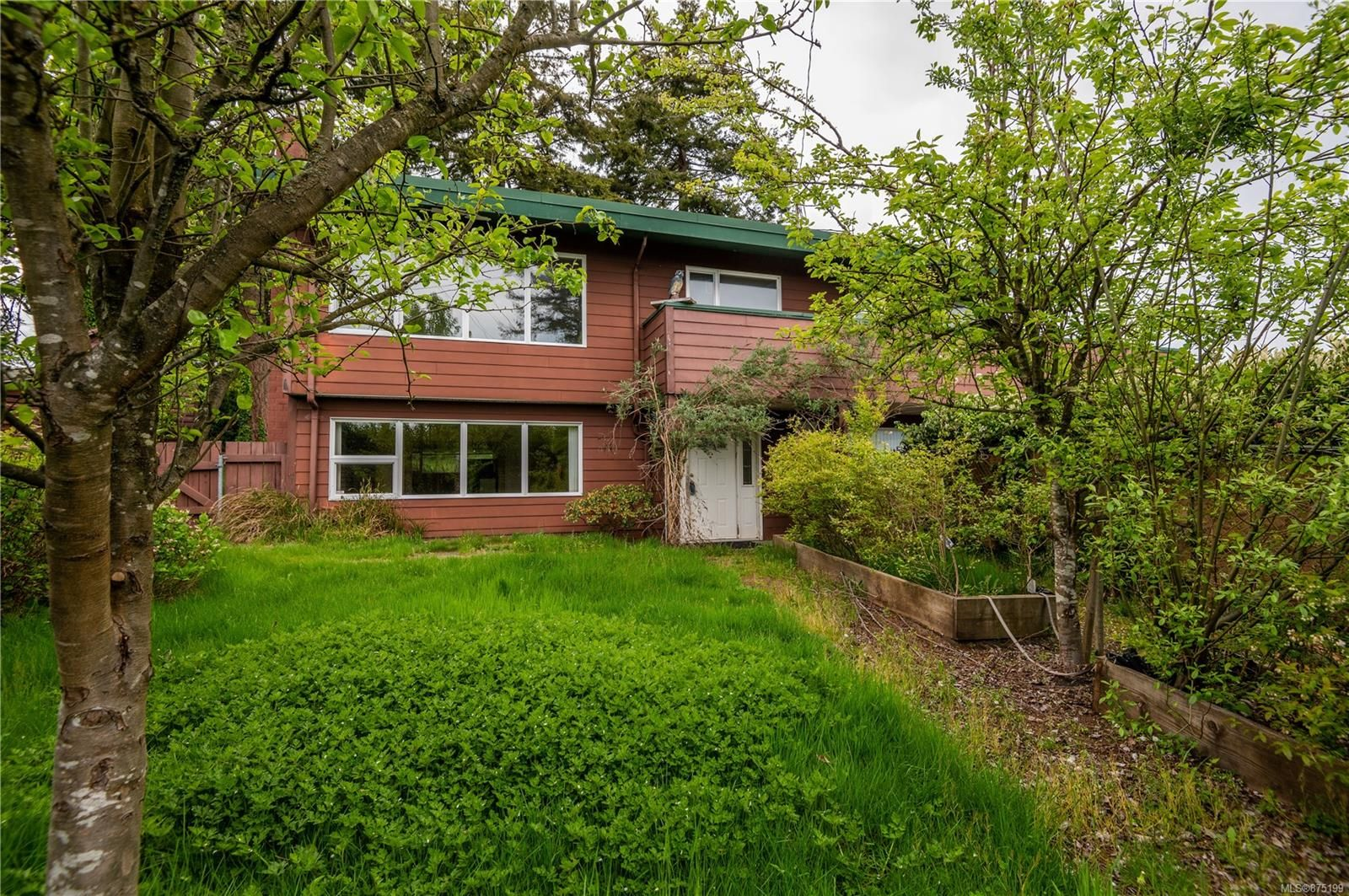Main Photo: 201 McCarthy St in : CR Campbell River Central House for sale (Campbell River)  : MLS®# 875199