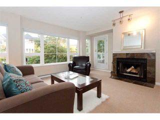 Photo 2: 202 2110 YORK Avenue in Vancouver: Kitsilano Condo for sale (Vancouver West)  : MLS®# V854972