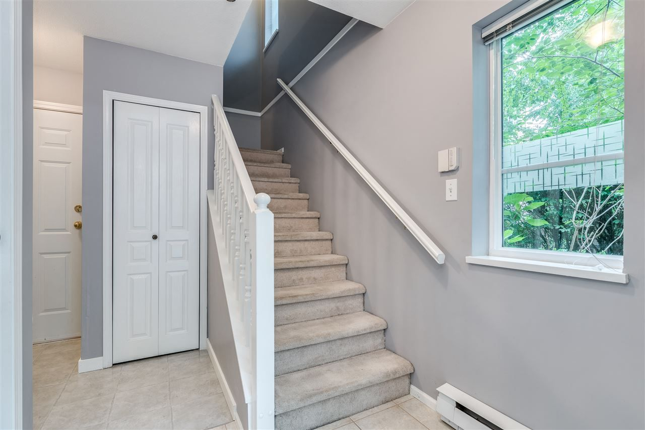 Photo 3: Photos: 52 12449 191 STREET in Pitt Meadows: Mid Meadows Townhouse for sale : MLS®# R2514759