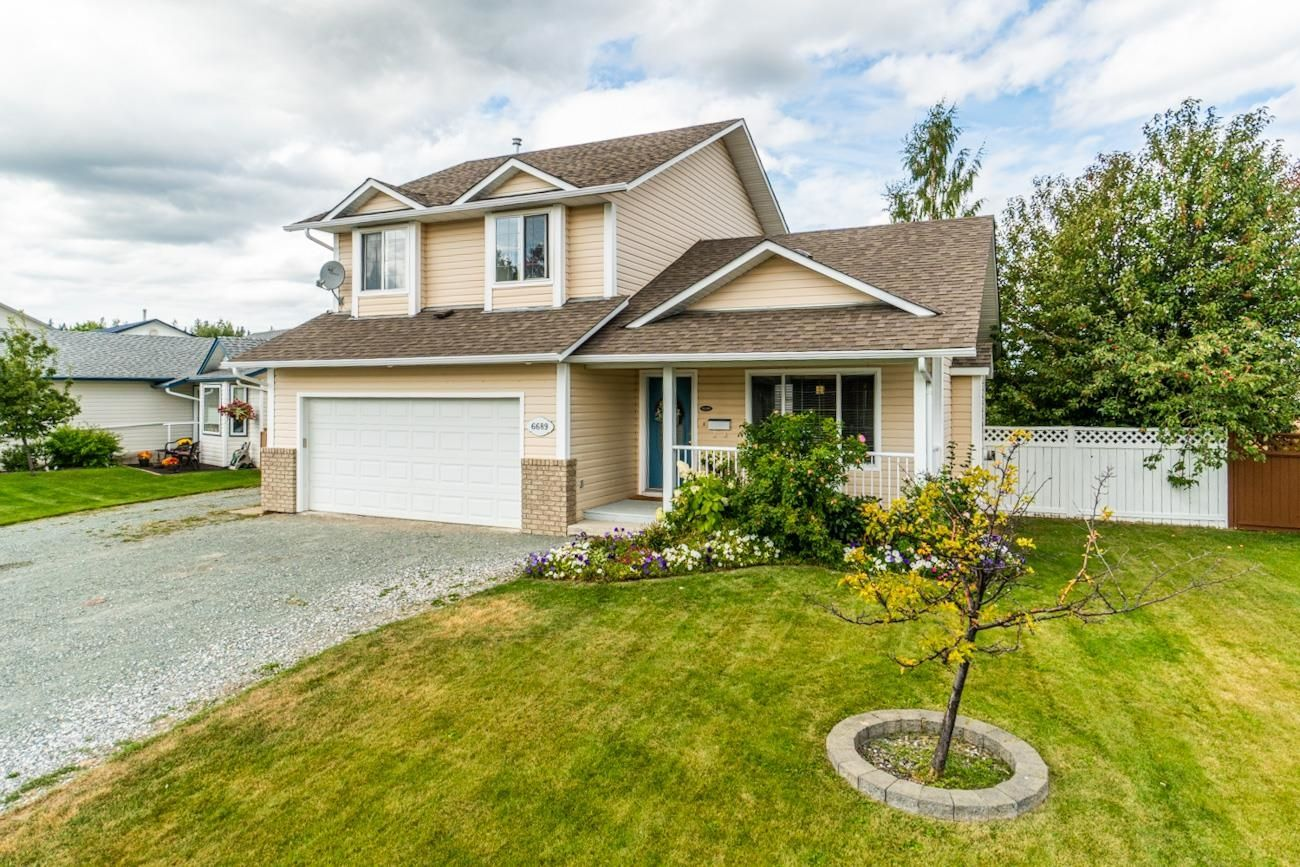 """Main Photo: 6689 WESTMOUNT Crescent in Prince George: Lafreniere House for sale in """"Westgate"""" (PG City South (Zone 74))  : MLS®# R2613523"""