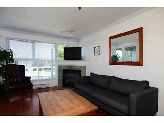 "Photo 2: 304 2025 STEPHENS Street in Vancouver: Kitsilano Condo for sale in ""STEPHEN'S COURT"" (Vancouver West)  : MLS®# V1069084"