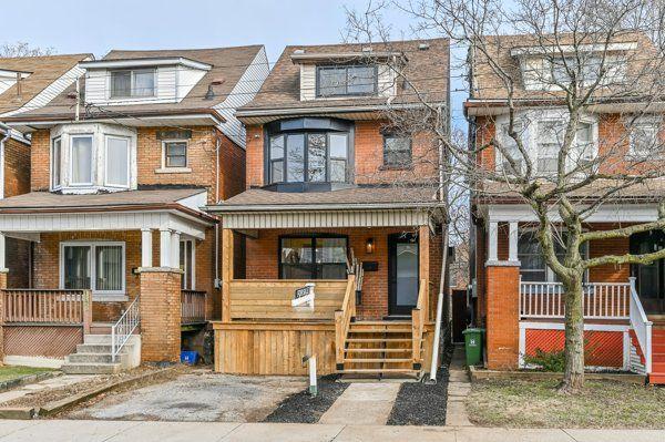 Main Photo: 140 North Grosvenor Avenue in Hamilton: House for sale