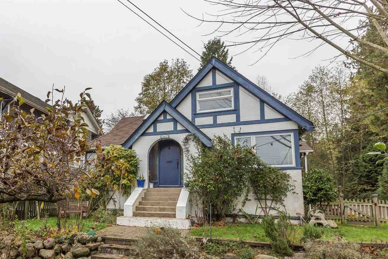 Main Photo: 1951 INGLEWOOD AVENUE: House for sale : MLS®# R2014587