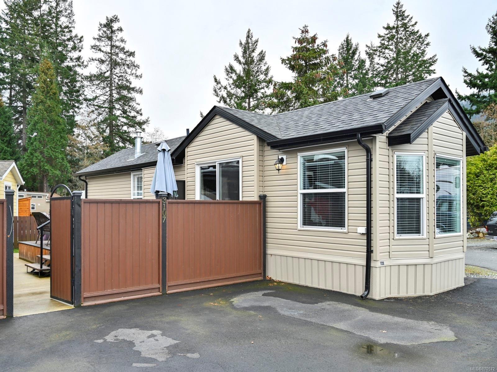 Main Photo: 3107 Elsie Lake Cir in : Na South Jingle Pot House for sale (Nanaimo)  : MLS®# 870572
