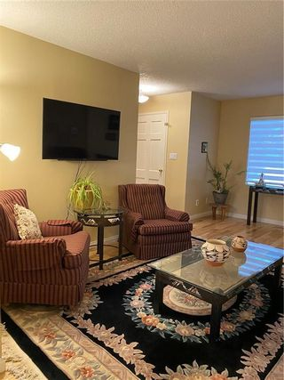 Photo 3: 42 714 WILLOW PARK Drive SE in Calgary: Willow Park Row/Townhouse for sale : MLS®# C4292627