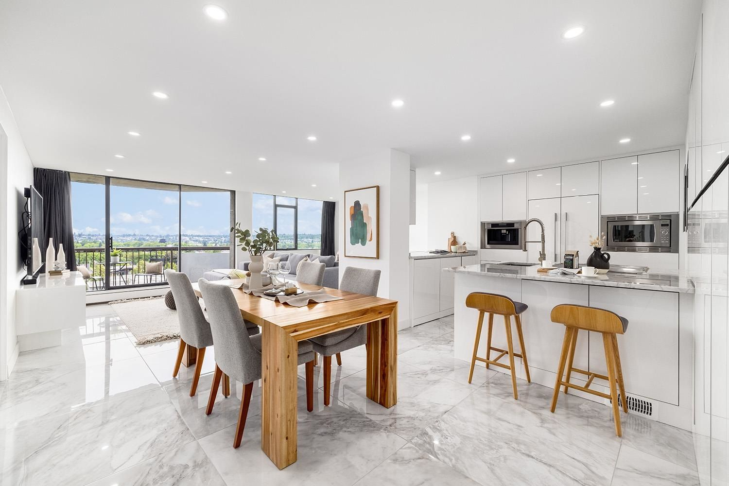 """Main Photo: 705 2445 W 3 Avenue in Vancouver: Kitsilano Condo for sale in """"Carriage House"""" (Vancouver West)  : MLS®# R2602059"""