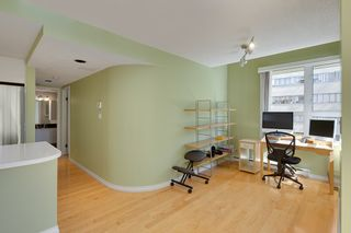 """Photo 7: 401 1406 HARWOOD Street in Vancouver: West End VW Condo for sale in """"JULIA COURT"""" (Vancouver West)  : MLS®# R2568055"""