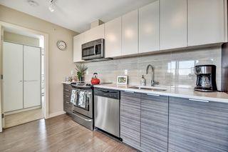 Photo 4: 2101 13303 CENTRAL Avenue in Surrey: Whalley Condo for sale (North Surrey)  : MLS®# R2613547