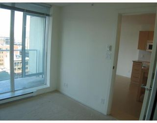 """Photo 7: 1506 550 TAYLOR Street in Vancouver: Downtown VW Condo for sale in """"THE TAYLOR"""" (Vancouver West)  : MLS®# V782558"""