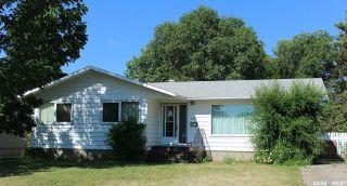 Photo 1: 1484 Nicholson Road in Estevan: Pleasantdale Residential for sale : MLS®# SK870664