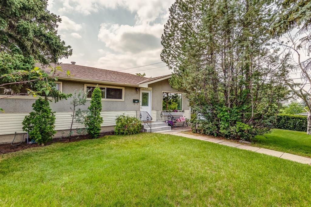 Main Photo: 17 Fay Road SE in Calgary: Fairview Detached for sale : MLS®# A1130756
