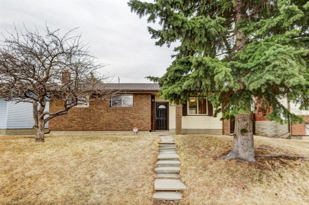 Main Photo: 5619 Madigan Drive NE in Calgary: Marlborough Park Detached for sale : MLS®# A1092723