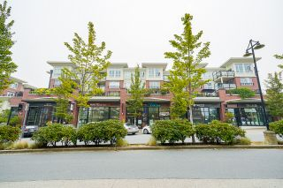 """Photo 4: 210 2940 KING GEORGE Boulevard in Surrey: King George Corridor Condo for sale in """"HIGH STREET"""" (South Surrey White Rock)  : MLS®# R2496807"""