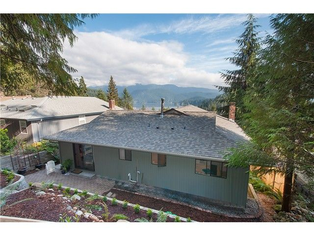 Photo 18: Photos: 2045 CLIFFWOOD RD in North Vancouver: Deep Cove House for sale : MLS®# V1106333