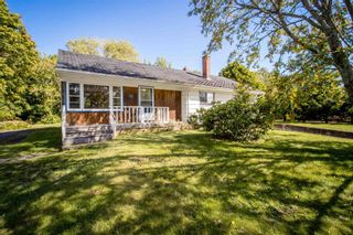 Photo 2: 21 Hillcrest Avenue in Wolfville: 404-Kings County Residential for sale (Annapolis Valley)  : MLS®# 202124195