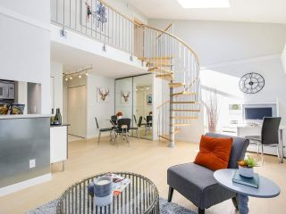 "Photo 1: 306 1425 CYPRESS Street in Vancouver: Kitsilano Condo for sale in ""Cypress West"" (Vancouver West)  : MLS®# R2183416"