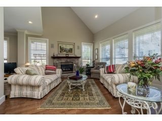 """Photo 5: 5915 164TH Street in Surrey: Cloverdale BC House for sale in """"WEST CLOVERDALE"""" (Cloverdale)  : MLS®# F1439520"""