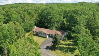 Photo 2: 77 CATHERINE Crescent in New Minas: 404-Kings County Residential for sale (Annapolis Valley)  : MLS®# 202116863