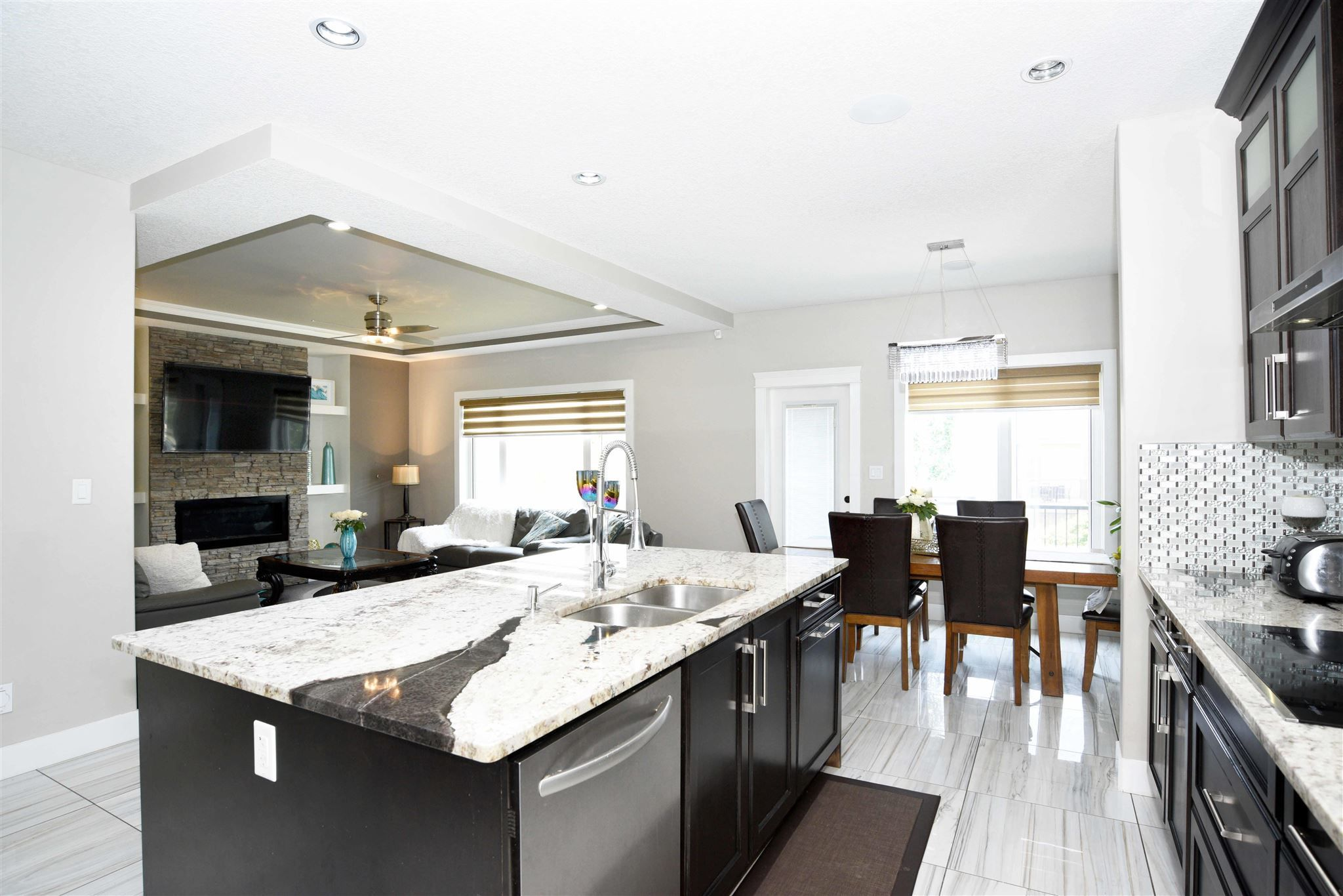 Main Photo: 4110 CHARLES Link in Edmonton: Zone 55 House for sale : MLS®# E4256267