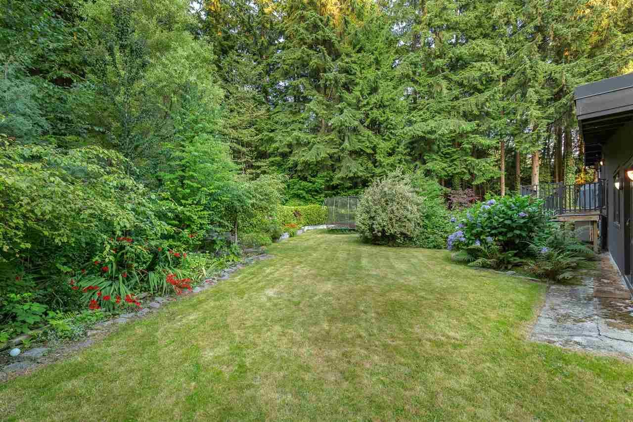 Photo 18: Photos: 315 MULGRAVE Place in West Vancouver: British Properties House for sale : MLS®# R2483368