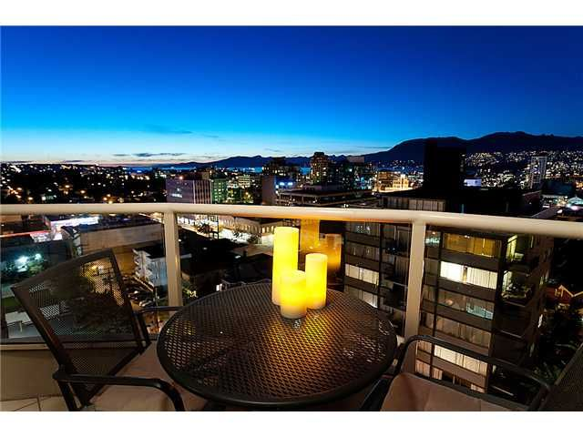 """Main Photo: 1101 1405 W 12TH Avenue in Vancouver: Fairview VW Condo for sale in """"THE WARRENTON"""" (Vancouver West)  : MLS®# V915590"""