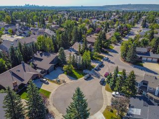Photo 2: 4 Silvergrove Place NW in Calgary: Silver Springs Detached for sale : MLS®# A1148856
