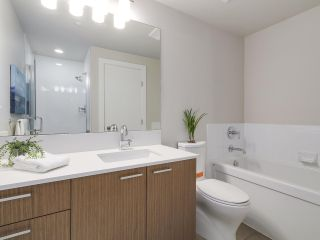 """Photo 11: 302 1330 MARINE Drive in North Vancouver: Pemberton NV Condo for sale in """"The Drive"""" : MLS®# R2208015"""