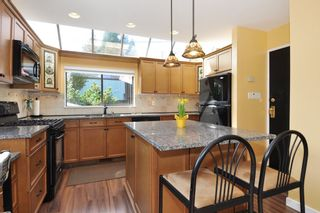 Photo 9: 115 N HOLDOM Avenue in Burnaby: Capitol Hill BN House for sale (Burnaby North)  : MLS®# R2152948
