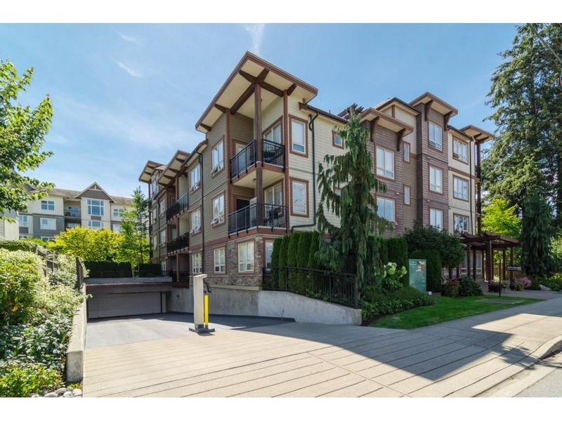 FEATURED LISTING: 401 - 15268 18 Avenue Surrey