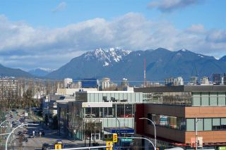 """Photo 8: 304 1819 W 5TH Avenue in Vancouver: Kitsilano Condo for sale in """"WEST FIVE"""" (Vancouver West)  : MLS®# R2605726"""