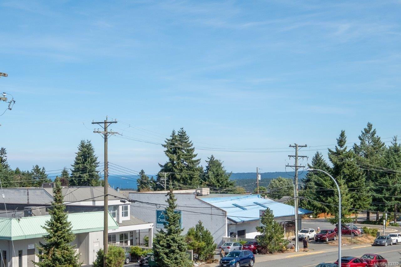 Main Photo: 405 3185 Barons Rd in : Na Uplands Condo for sale (Nanaimo)  : MLS®# 883782