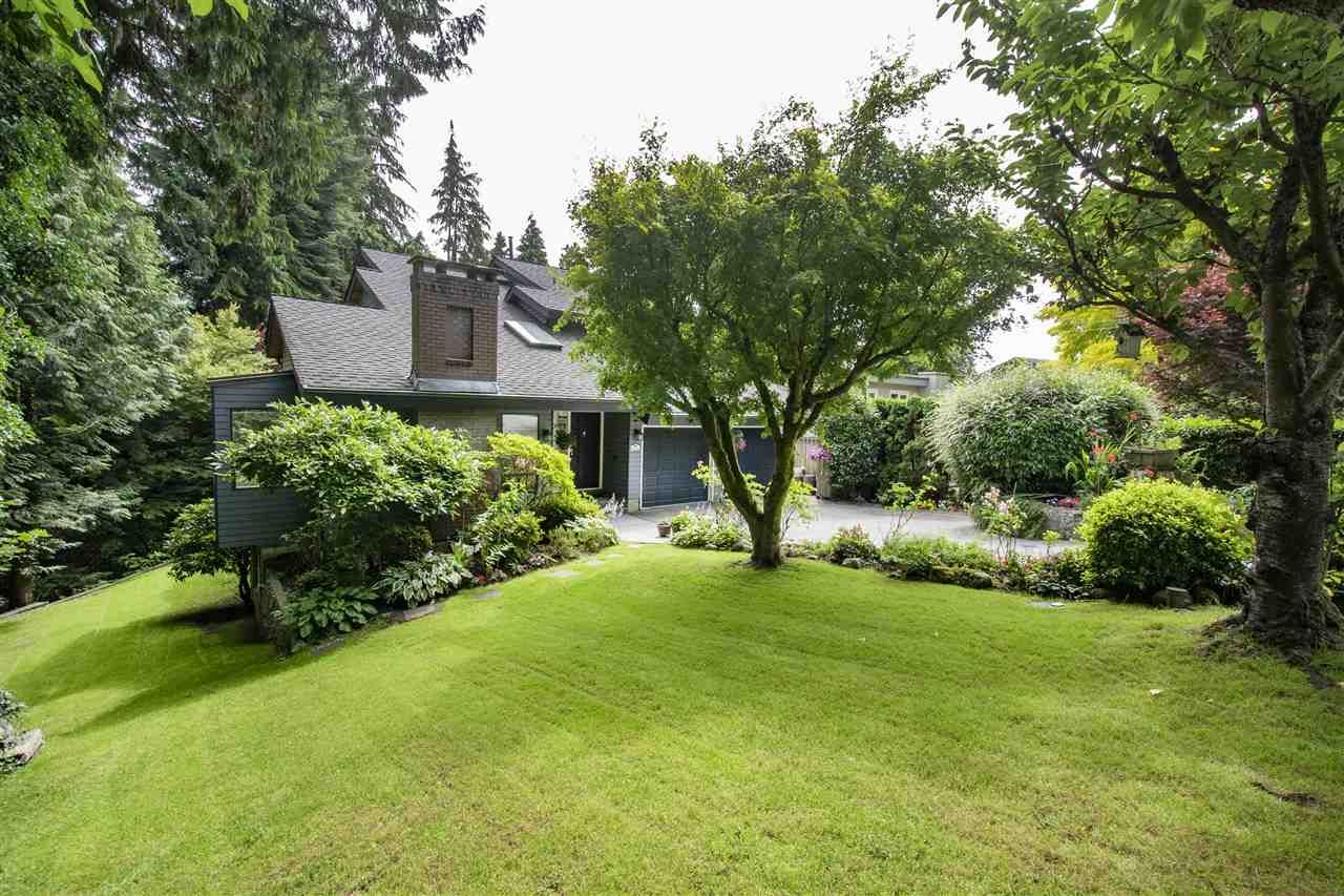 """Main Photo: 1610 PALMERSTON Avenue in West Vancouver: Ambleside House for sale in """"Ambleside"""" : MLS®# R2604244"""