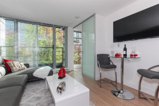 """Photo 2: 401 1255 SEYMOUR Street in Vancouver: Downtown VW Condo for sale in """"ELAN"""" (Vancouver West)  : MLS®# R2251609"""