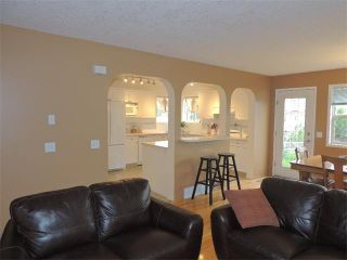 Photo 5: 105 MILLRISE Square SW in Calgary: Millrise House for sale : MLS®# C4014169