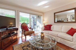 Photo 3: 105 535 Heatherdale Lane in Saanich: SW Royal Oak Condo for sale (Saanich West)  : MLS®# 844728