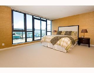 """Photo 5: 3202 1331 ALBERNI Street in Vancouver: West End VW Condo for sale in """"THE LIONS"""" (Vancouver West)  : MLS®# V660192"""