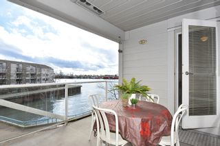 """Photo 2: 311 1990 E KENT AVENUE SOUTH in Vancouver: Fraserview VE Condo for sale in """"Harbour House"""" (Vancouver East)  : MLS®# R2145816"""