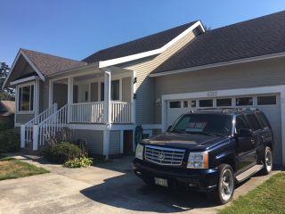 Photo 1: 6327 JASPER Road in Sechelt: Sechelt District House for sale (Sunshine Coast)  : MLS®# R2500135