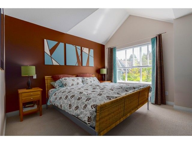 """Photo 7: Photos: 25 2688 MOUNTAIN Highway in North Vancouver: Westlynn Townhouse for sale in """"CRAFTSMAN ESTATES"""" : MLS®# V1073311"""