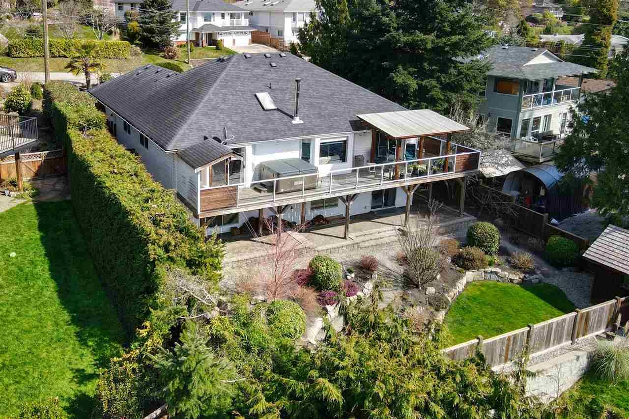 Main Photo: 6525 JASPER Road in Sechelt: Sechelt District House for sale (Sunshine Coast)  : MLS®# R2560207